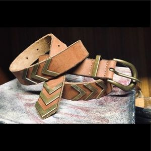 Vintage Lucky Leather with Gold Metal Chevron Belt